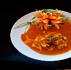 a_chicken__with_red_curry