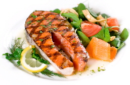 a_grilled_salmon_with_salad1